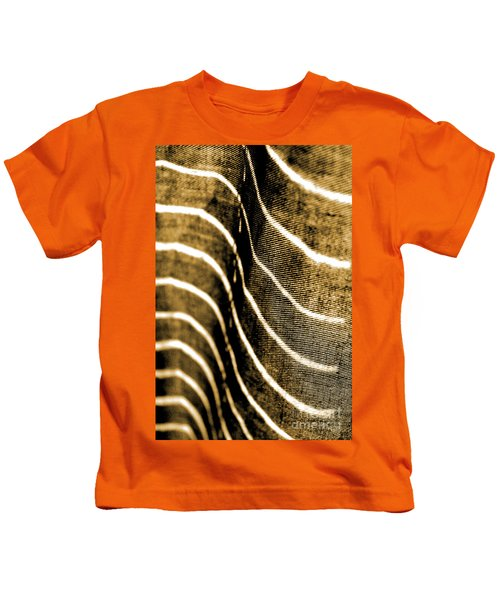 Curves And Folds Kids T-Shirt