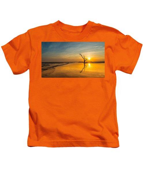 Folly Beach Skeleton Tree At Sunset - Folly Beach Sc Kids T-Shirt