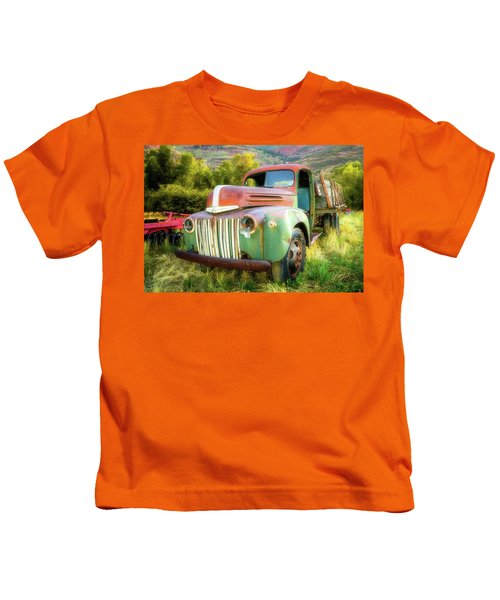 Forgotten - 1945 Ford Farm Truck Kids T-Shirt