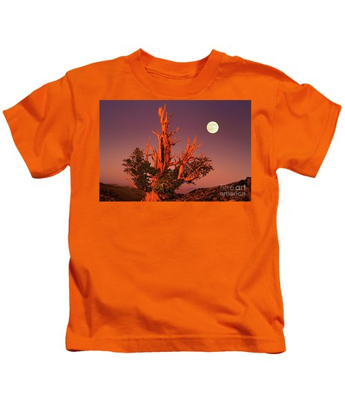 Full Moon Behind Ancient Bristlecone Pine White Mountains California Kids T-Shirt