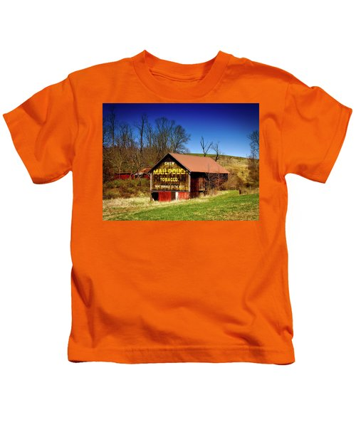 Iconic Mail Pouch Barn Kids T-Shirt