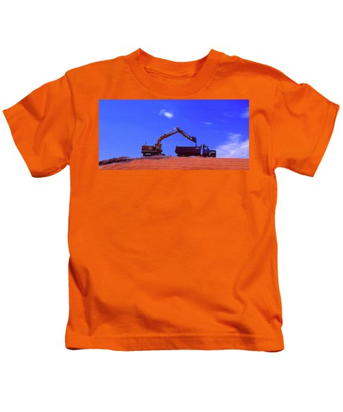 Loading The Dump Truck Four  Kids T-Shirt