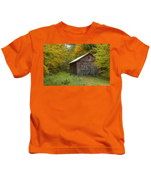 Old Barn New England Kids T-Shirt