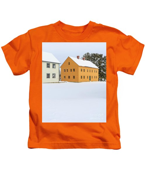 Old Colonial Wood Framed Houses In Winter Kids T-Shirt