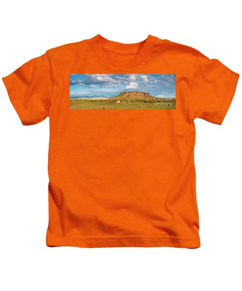 Panorama Of Black Mesa At San Ildefonso Pueblo - New Mexico Land Of Enchantment Kids T-Shirt