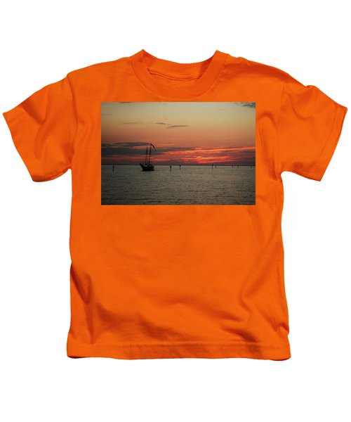 Sailing Sunset Kids T-Shirt