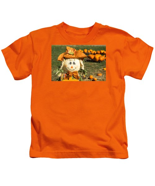 Smiling Scarecrow With Pumpkins Kids T-Shirt