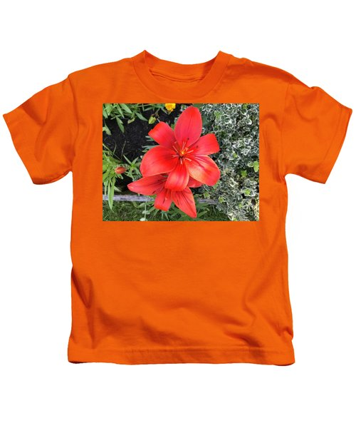 Sunbeam On Red Day Lily Kids T-Shirt