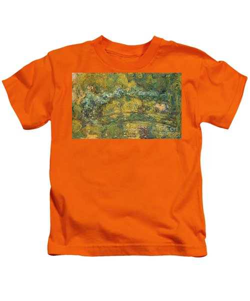 The Footbridge Over The Waterlily Pond, 1919 Kids T-Shirt