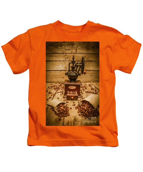 Vintage Manual Grinder And Coffee Beans Kids T-Shirt