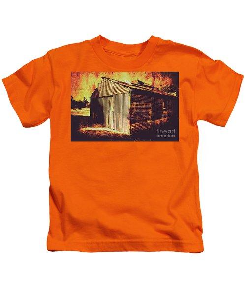 Weathered Vintage Rural Shed Kids T-Shirt