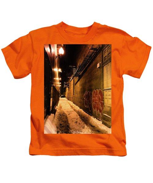 Chicago Alleyway At Night Kids T-Shirt