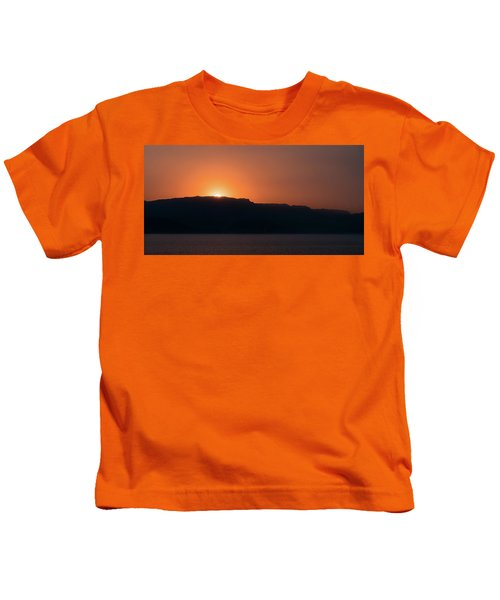 Sunset At Over The Mountains In The Red Sea Kids T-Shirt