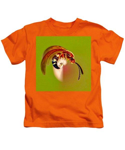Swirly Wasp Kids T-Shirt