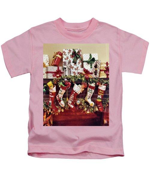 1960s Five Christmas Stockings Hanging Kids T-Shirt