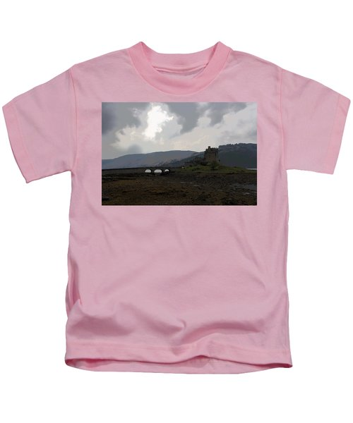 Cartoon - The Eilean Donan Castle Along With The Stone Bridge In Front Kids T-Shirt