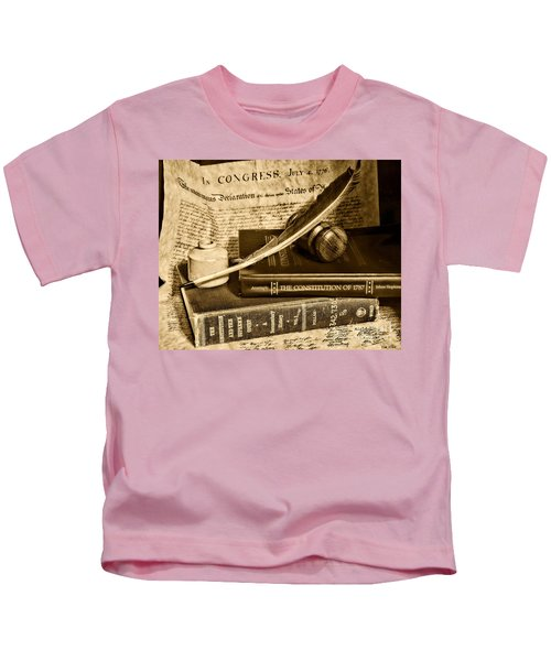 Lawyer - The Constitutional Lawyer In Black And White Kids T-Shirt