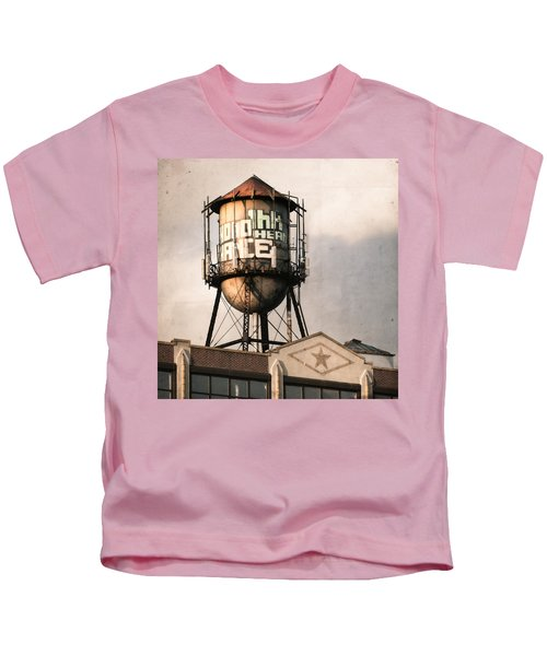 New York. Water Towers 6 Kids T-Shirt