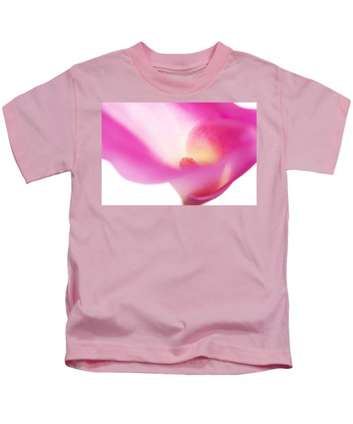 Passion For Flowers. Pink Veil Kids T-Shirt