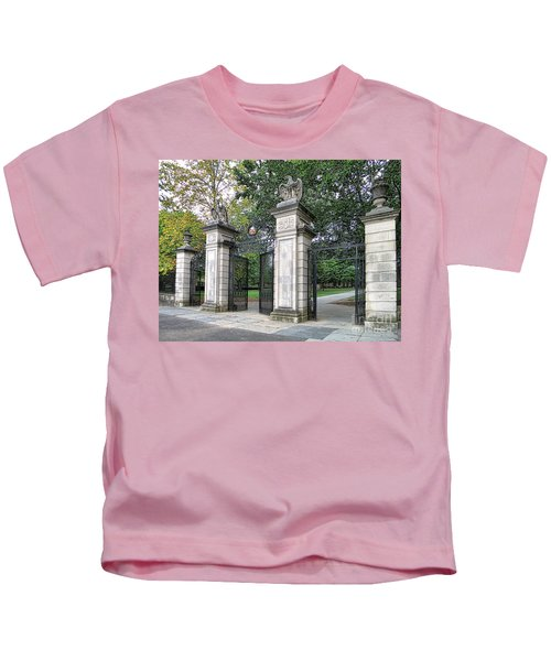 Princeton University Main Gate Kids T-Shirt