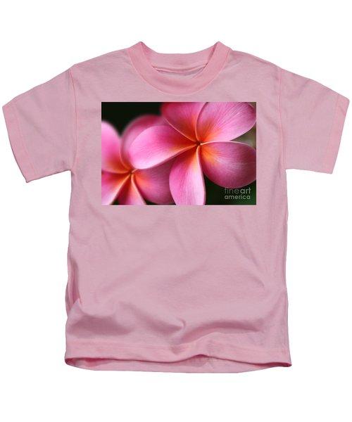 Pua Lei Aloha Cherished Blossom Pink Tropical Plumeria Hina Ma Lai Lena O Hawaii Kids T-Shirt
