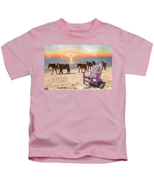 Sam Watches Over The Harem  Kids T-Shirt