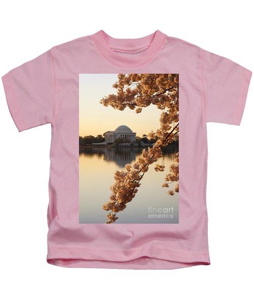 Sunrise Over Jefferson Memorial Kids T-Shirt