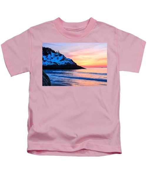 Touch Of Snow Singing Beach Kids T-Shirt
