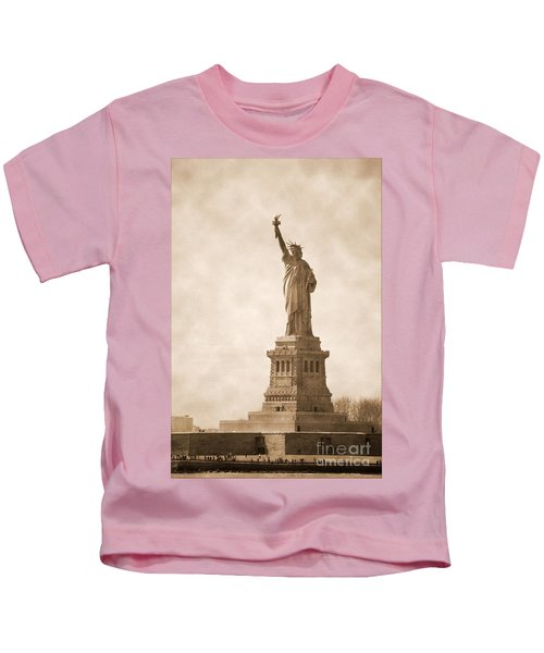 Vintage Statue Of Liberty Kids T-Shirt