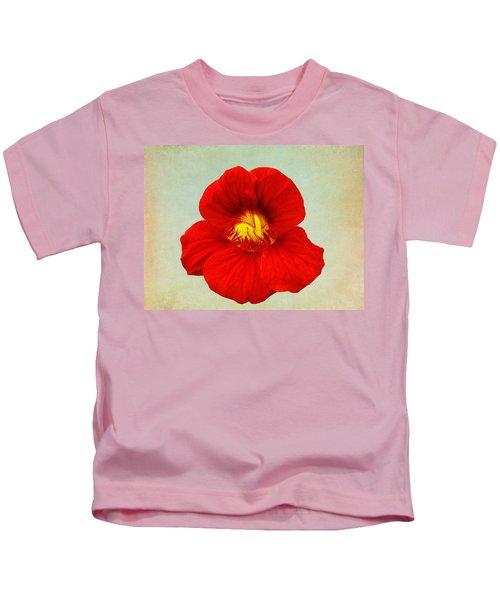 Daylily On Texture Kids T-Shirt