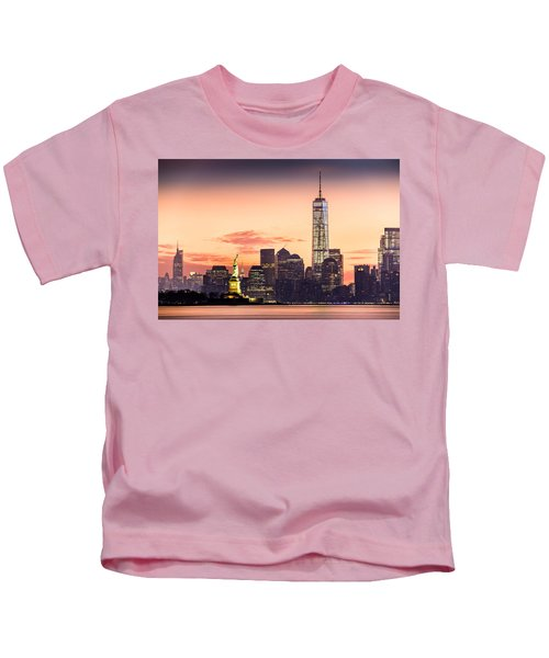 Lower Manhattan And The Statue Of Liberty At Sunrise Kids T-Shirt