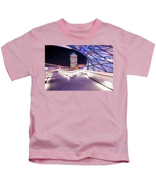 Munich - Bmw Modern And Futuristic Kids T-Shirt