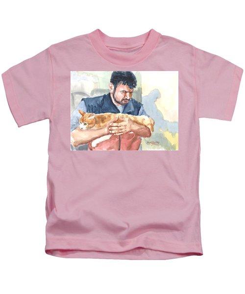 Alaa Rescuing An Injured Cat Kids T-Shirt