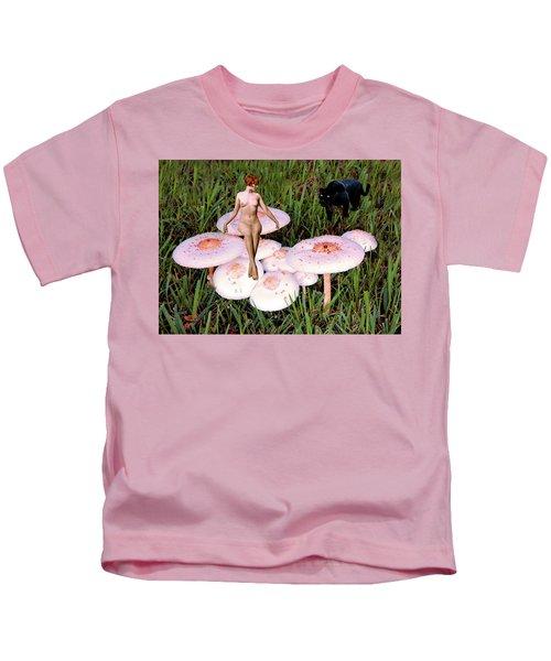 Angoisse Feminine#1 Kids T-Shirt