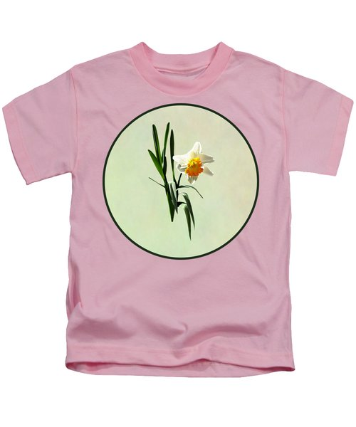 Daffodil Taking A Bow Kids T-Shirt