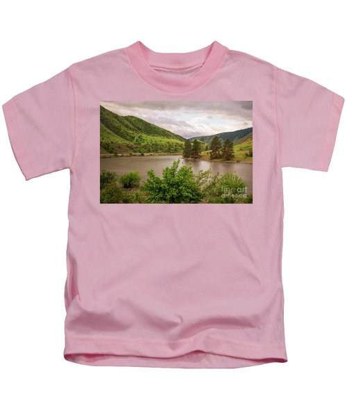 Early Morning Smoothy Waterscape Art By Kaylyn Franks  Kids T-Shirt