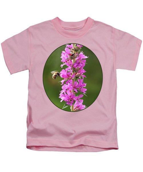 Final Approach - Bee On Purple Loosestrife Kids T-Shirt