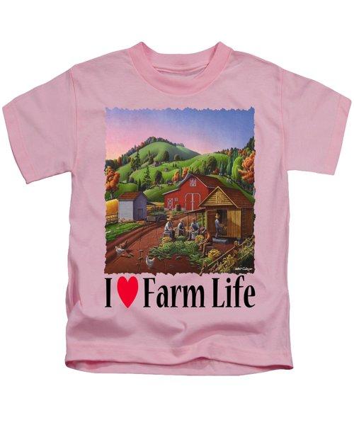 I Love Farm Life - Farmers Shucking Corn - Corncrib - Corn Crib - Farm Landscape 2 Kids T-Shirt