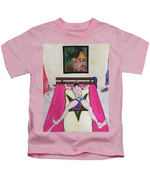 Il Est Pret A Etre Attache Kids T-Shirt