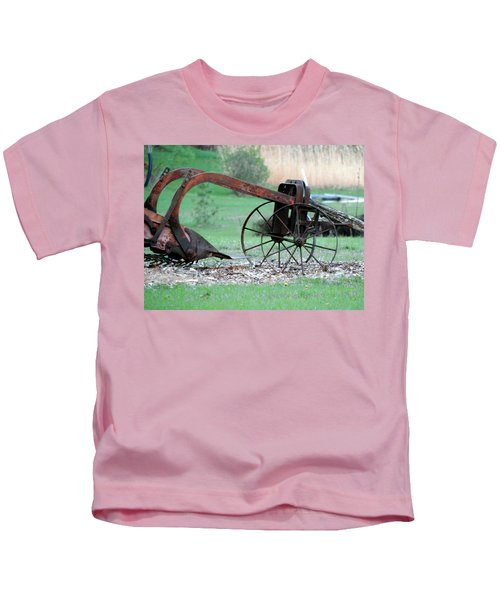 In The Rust Home Kids T-Shirt