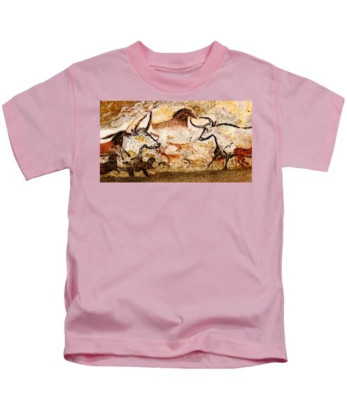 Lascaux Hall Of The Bulls - Deer And Aurochs Kids T-Shirt