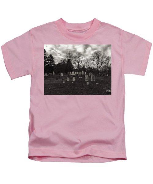 Old Town Cemetery , Sandwich Massachusetts  Kids T-Shirt