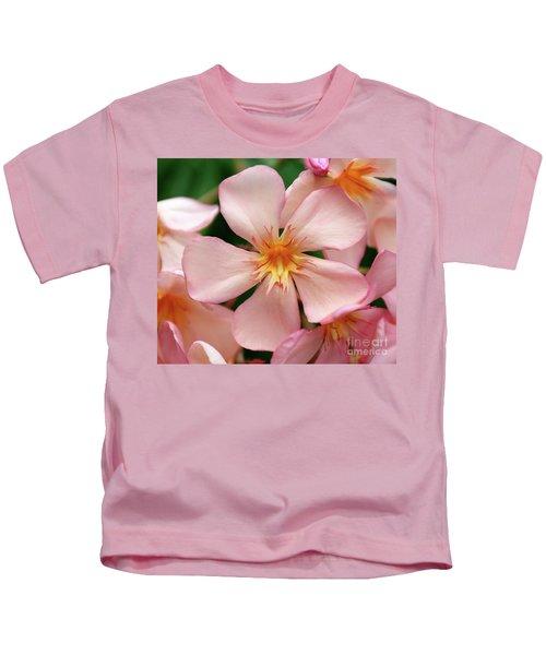 Oleander Dr. Ragioneri 1 Kids T-Shirt