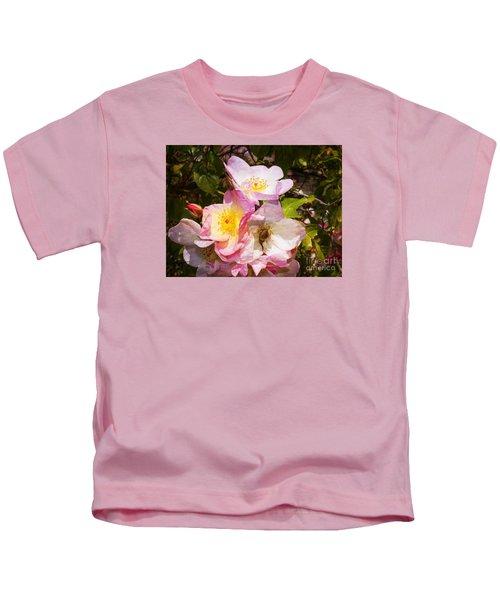 Shakespeares Summer Roses Kids T-Shirt