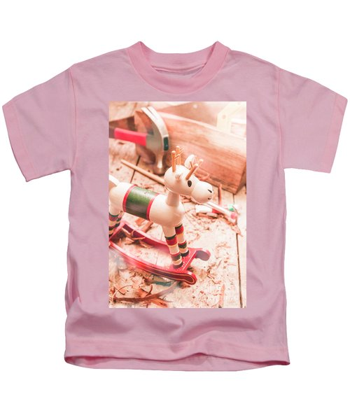 Small Xmas Reindeer On Wood Shavings In Workshop Kids T-Shirt