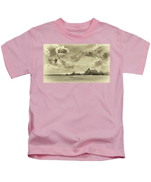 Storm Coming Sepia Kids T-Shirt