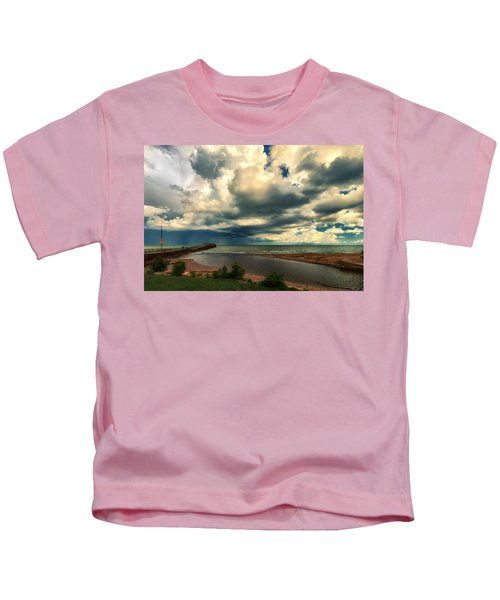 Watching The Storm On Lake Erie Kids T-Shirt