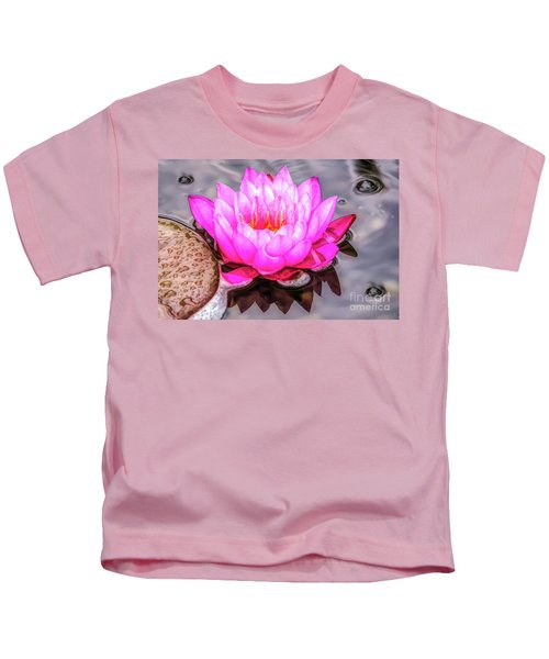 Water Lily In The Rain Kids T-Shirt