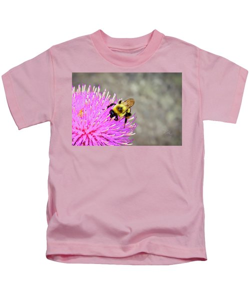 Bee On Pink Bull Thistle Kids T-Shirt