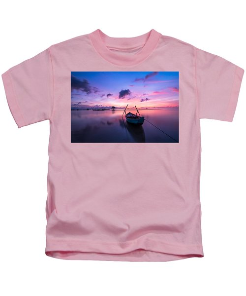 Boat Under The Sunset Kids T-Shirt